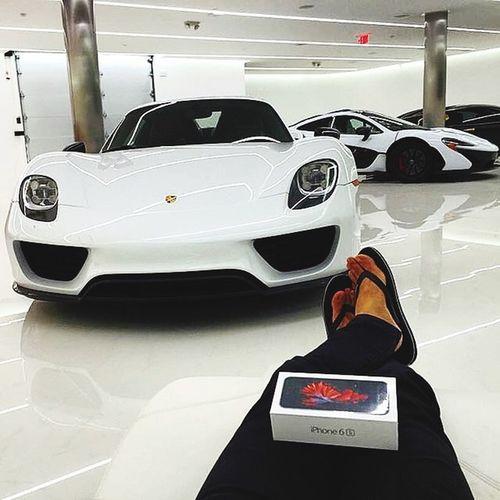 Mira nomas un iPhone 6s Jajajaja 😉😅😂😍👌🏼 IPhone Porsche918 Mclaren P1 Iphone6s