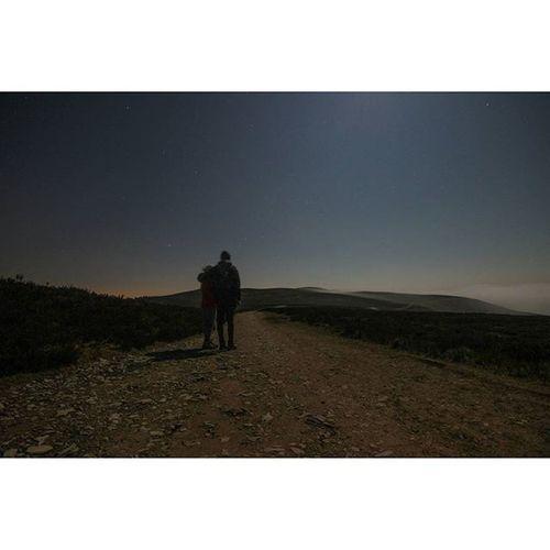 👫👣🗻🌌 Moelfamau Mountain Latenightadventures Longexposure Stars