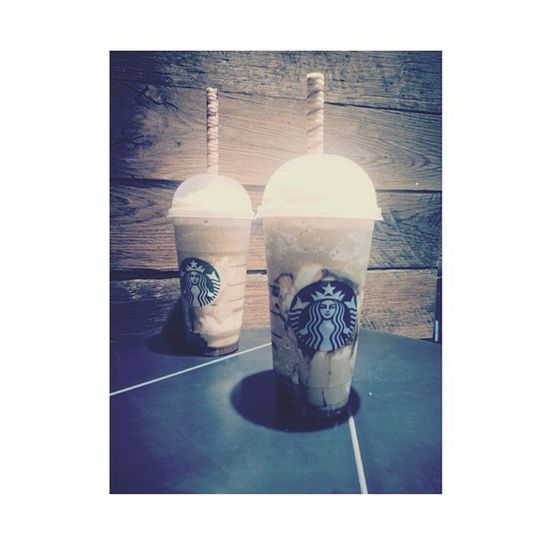 Free cookie straw! 🐷1 et 🐷2 Starbucks Smores Newdrink Frappucino SO: half price until may 10th, during happy hours! K byeee