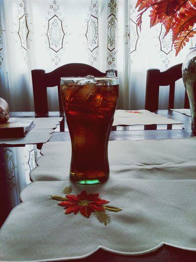 Disfrutando lo bueno Drink Refreshment Cola Good Day Hielos Enjoy