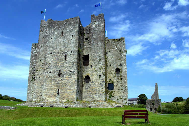 Castle Castles EyeEmNewHere Ireland Ireland🍀 Trim Castle Abandoned Ancient Ancient Civilization Architecture Built Structure Damaged Day Grass History Ireland Lovers Nature No People Old Old Ruin Outdoors Sky The Past Travel Destinations