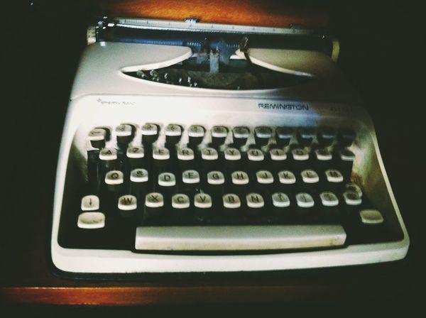 Writing Machine  Typewriter Vintage Vintage Stuff Old Retro Retrolux Tirana Albania Radio Bar