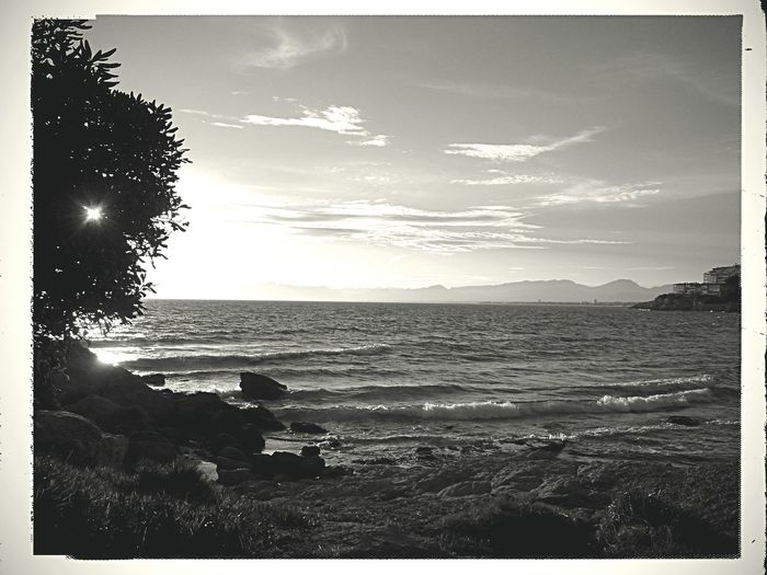 By the end of the day i'm just thankful to be with you. Mobilephotography XPERIA Pixlr Lumiocam Cloudy Skies Low Angle View No People Beach Sunset Visual Poetry Scenics Blackandwhite Monochrome Monochrome World