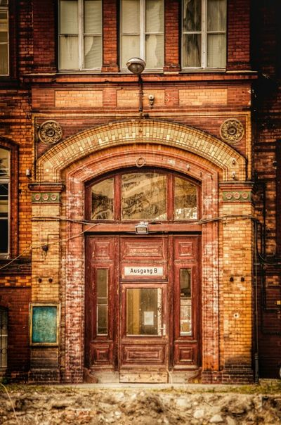 BOB Brick Old Building Doorporn Notable Entryways Before The Refurbishment