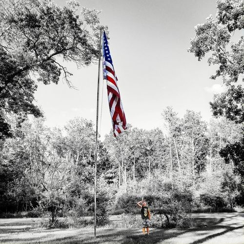 Happy Independence Day weekend America!!! Colorsplash on previous pic.... 🇺🇸❤🇺🇸❤🇺🇸 Blue Sky Freedoom  America Happy4thOfJuly Stars And Stripes Flag Redwhiteandblue Independence Day Americanflag Blessed  Blackandwhite Letfreedomring Freedom