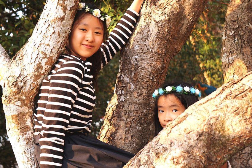 EyeEmNewHere Girls Tree Looking At Camera Smiling Summer Nature
