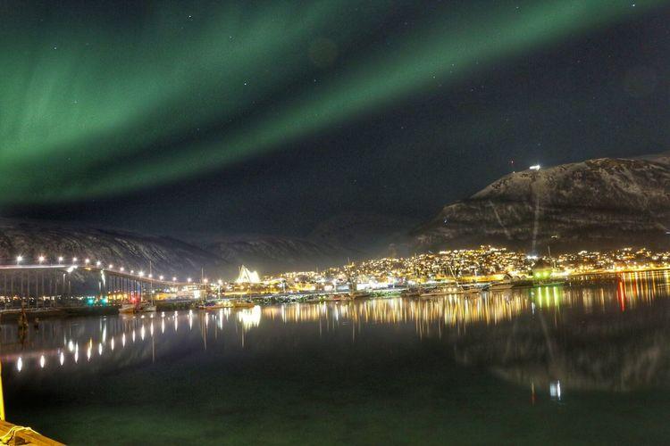 Teomsø🇳🇴 Night Illuminated Beauty In Nature Scenics Reflection Sky Nature