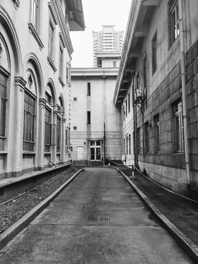 Buildings and road of Philippine General Hospital. Urban Exploring Roads . Black And White