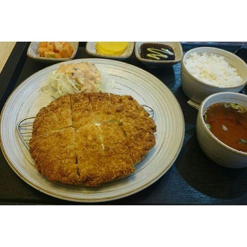 . . 치즈돈까스 돈까스는 사랑이죠 ㅋㅋ . 일상 돈까스 음식 Food 치즈가적네 코돈부르