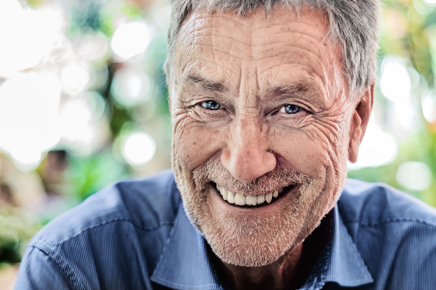 My Friend Jürgen Blick In Die Kamera Gray Hair Looking At Camera Old Lens Photo Old Man Olympus One Person Only Bokeh Close-up Focus On Foreground Gray Hair Happiness Human Face Men Omd One Man Only Only Men People Portrait Portrait Photography Senior Senior Adult Senior Men Smile Smiling