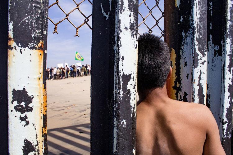 Border Manifestation Beach Leaning Looking Through Showcase July