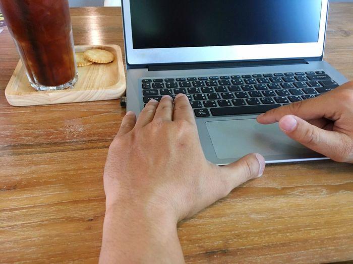 Technology Wireless Technology Laptop Human Hand Communication Computer Keyboard Computer Connection Using Laptop Computer Key Working Internet