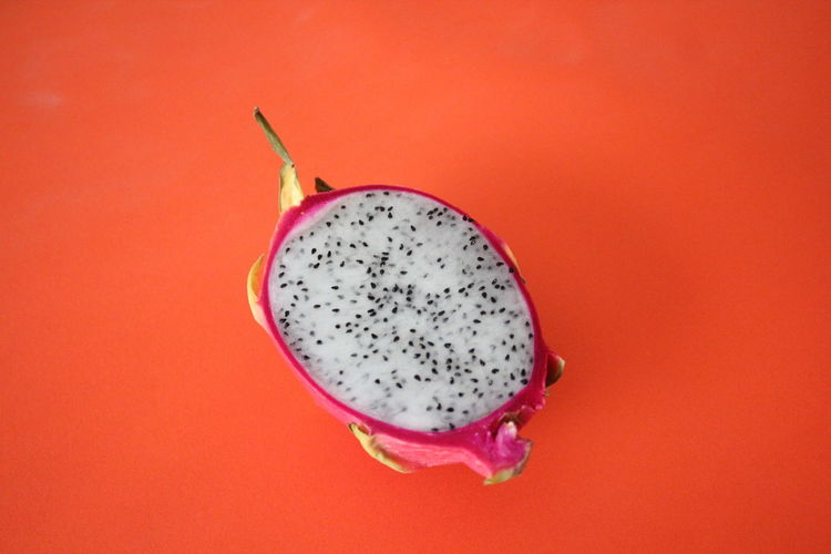 Close-up Drachenfrucht Dragon Fruit Dragon Fruits EyeEm Best Shots Food Food Photography Foodporn Fresh Freshness Freshness Fruit Fruit Flesh Fruit Photography Fruit Pulp Fruits Pastel Pastel Colors Pitahaya Pitaya Pulp Red Red Lips Seed Vibrant Color Break The Mold Cut And Paste Visual Feast BYOPaper! EyeEm Selects Perspectives On Nature
