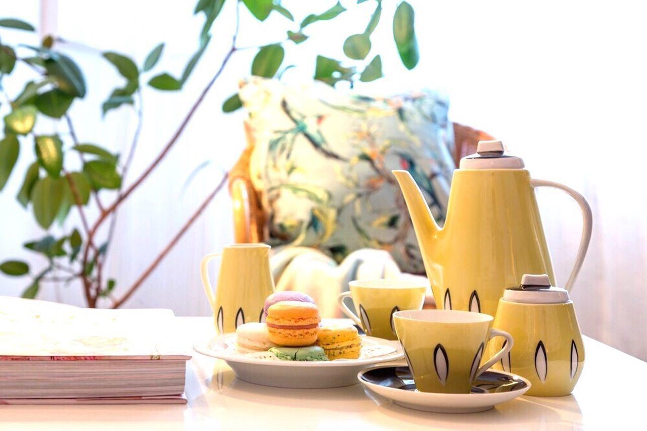 saucer, food and drink, no people, plate, tea - hot drink, bowl, leaf, indoors, freshness, teapot, flower, healthy eating, orange juice, nature, close-up, day, food