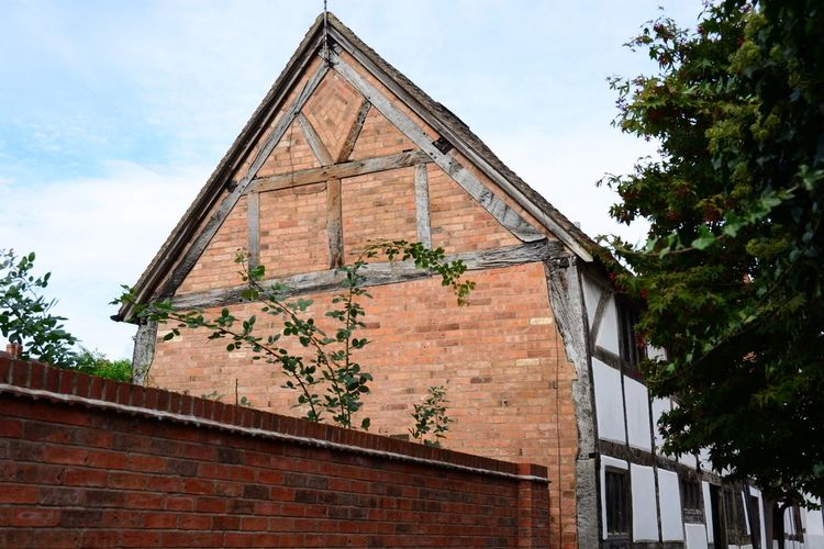 Built Structure Architecture Building Exterior Warwick Outdoors No People Eye4photography  Nikon D5200 Nikonphotography Nikon Allmyphotography Gable End Old Timber Eyemphotography Architecture Old Building Exterior