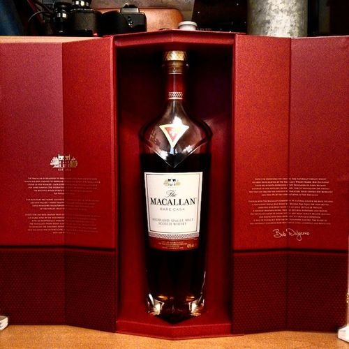 Rare cask top 1% of MACALLAN single malt scotch whisky Macallan Whisky Scotch Rarecast is it heavy yes then put it back!! lol Jarassicpark joke.