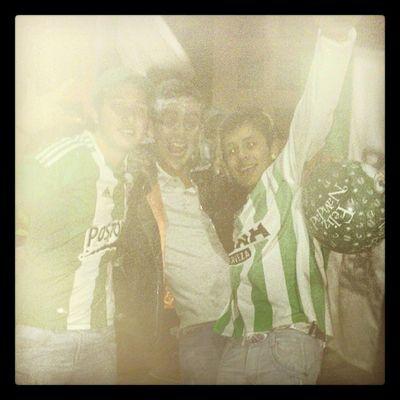 Celebrando kn mis amigos .... Hooligans Ultras Ultrastyle Atlnacional night friends futbolenpaz