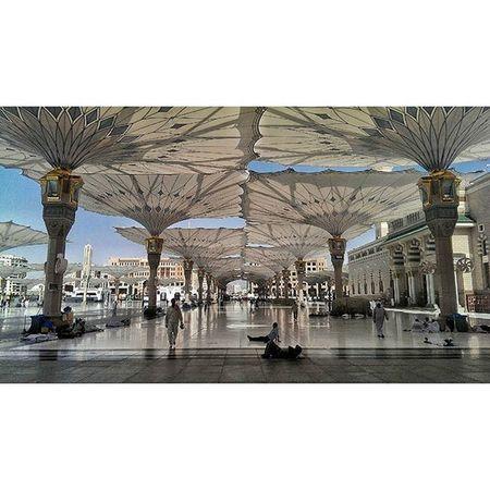 ساحة المسجد النبوي - المدينة المنورة ❤ تصويري  تصوير  المدينة مكة جدة الرياض السعودية الحرم