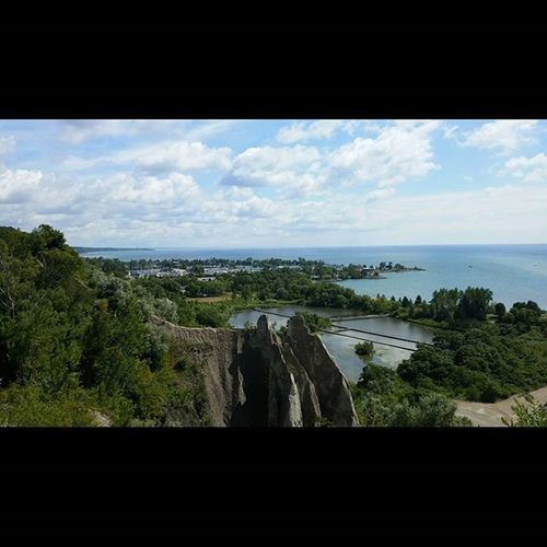 Meanwhile, at the Scarbrough Bluffs ...