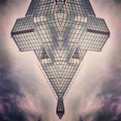 Symmetry Symmetrybuff Symmetry_art Symmetrysundays symmetryart symmetry_buff symmetryporn symmetrylove symmetry_love abstracting_architects abstracting_architecture abstractingarchitects mirrorgram mirrorgram_art