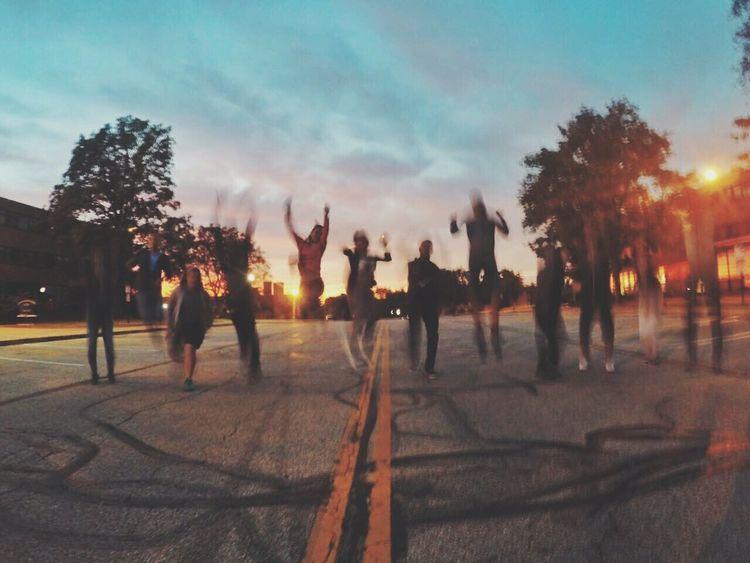 K e n t 🌆 f r i e n d s 💛 t i m i n g ⏳ Sunset In The City  Friends Having Fun City Sunset Sky Fun With Friends Timingshot Sunset In Kent Friendship Friends ❤