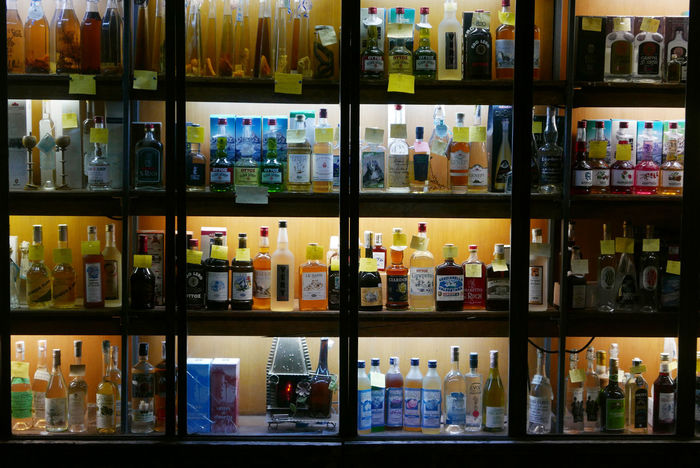 Alcool  Beverage Bottes Night Shoping Window Italy