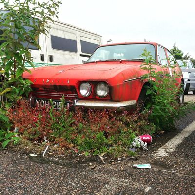 Post-apocalyptic Ogle-Reliant Scimitar #urban #decay Nature Red Car London Street