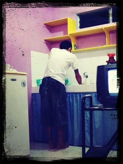 料理とか家事をこのキッチンつき宿でぜんぶやってくれていていい嫁になれそう Philippines Traveling