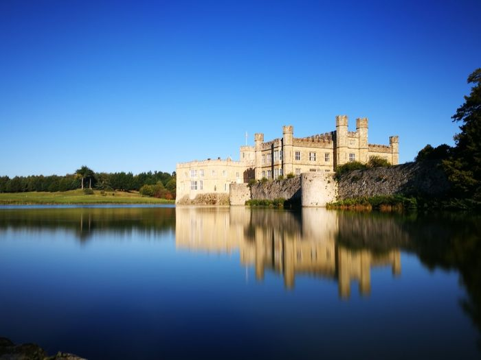 EyeEm Selects Leeds Leeds Castle Uk London Castle Medieval Reflection Copy Space History Architecture Travel Destinations Blue Fort Outdoors Business Finance And Industry Autumn Building Exterior No People Clear Sky Water King - Royal Person Day Tree Sky