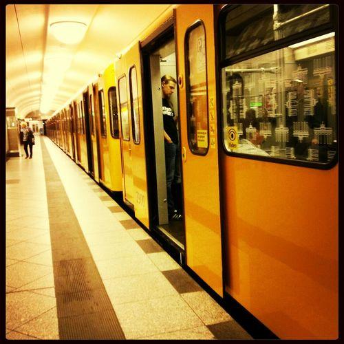Subway Haltestelle Einsteigen Bitte