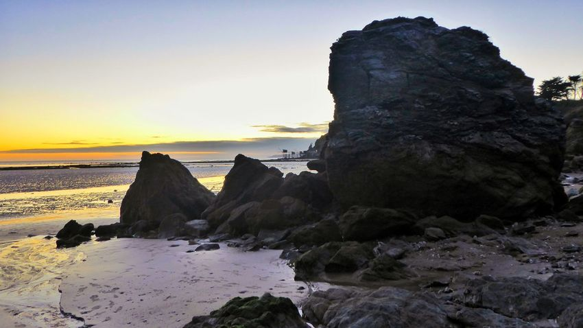 Rock - Object Sunset Sea Rock Formation Nature Beach Scenics Beauty In Nature Tranquility Horizon Over Water At Low Tide No People Sand Sky Landscape Outdoors Loire-atlantique Bretagne France🇫🇷 Travel Destinations Sunlight Cloud - Sky Beauty In Nature Tranquility