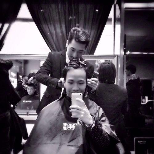 情人节加元宵,把半米长的头发剪得gentleman
