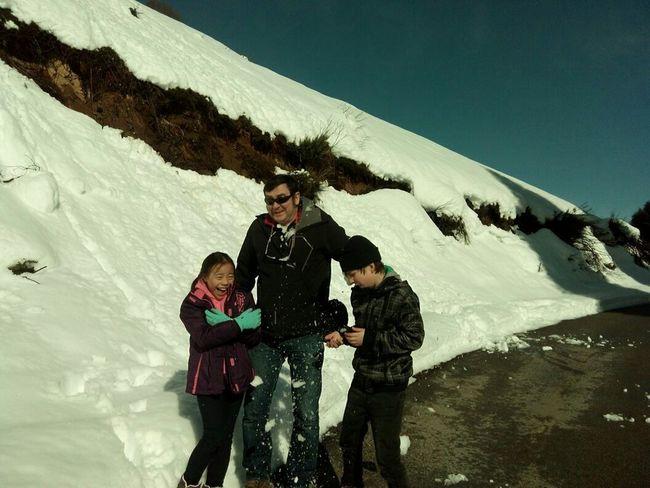 Bolazo En La Nieve! Snow Day