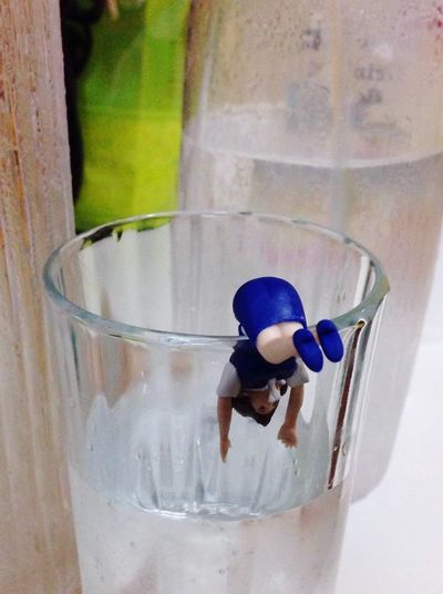Drop glass 💦 Drink Drinking Glass Refreshment Food And Drink No People Indoors  Close-up Water Day Freshness Fuchiko