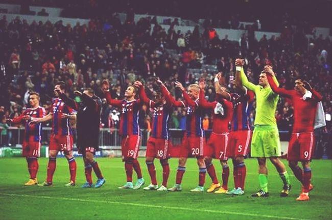 en los 16 :D !! Uefachampionsleague Fc Bayern München The Best Ilovefootball
