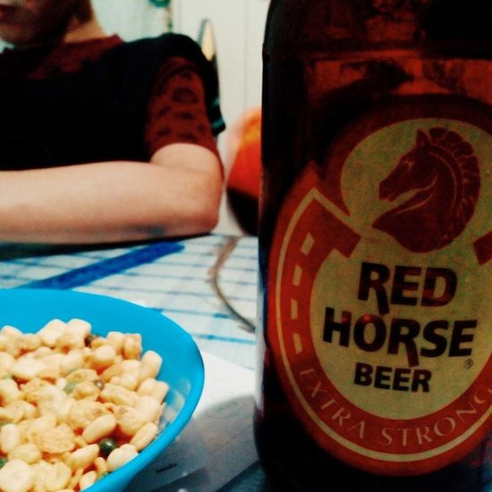 Chilling out with my former tertiary classmate Thesis Programming Beer Redhorse vscocam