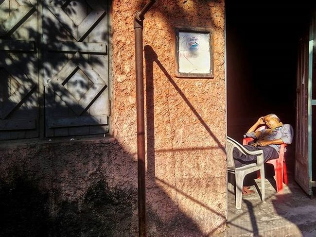 The Sunday afternoon Siesta... Redmi2Prime Redmi Redmiclicks _soi Ig_calcutta India Kolkata Incredibleindia Indiapictures Indiaclicks Storiesofindia Lonelyplanetindia Streetsofkolkata Streetphotography Streetsofindia Instagrammers Dailylifeindia Indiadaily Snapseededit Snapseed Watchman Doorsandwindows Shadowplay Feetup Desi_diaries