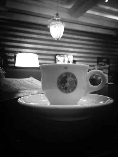 Enjoying Espresso Cozy Place Time To Read لن أبالي لو ظهرت تجاعيد وجه الزمن بعدد فناجين قهوتي في مهجر الضياع ...