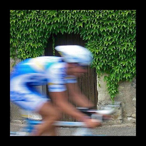 """""""Le Tour de France"""", seule manifestation de dopés ou d'ancien dopés, protégée par la Police. Tour De France Tourdefrance Le Tour De France EyeEmBestPics EyeEm Best Shots EyeEm Masterclass Eyem Best Shots Cycling Cyclingphoto Cyclist"""