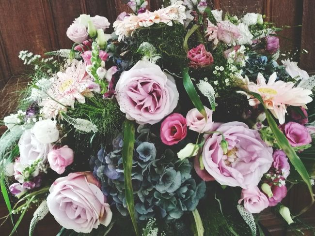 Flower Rose - Flower Bouquet High Angle View No People Pink Color Table Nature Peony  Indoors  Plant Fragility Day Freshness Flower Head Close-up Boquet