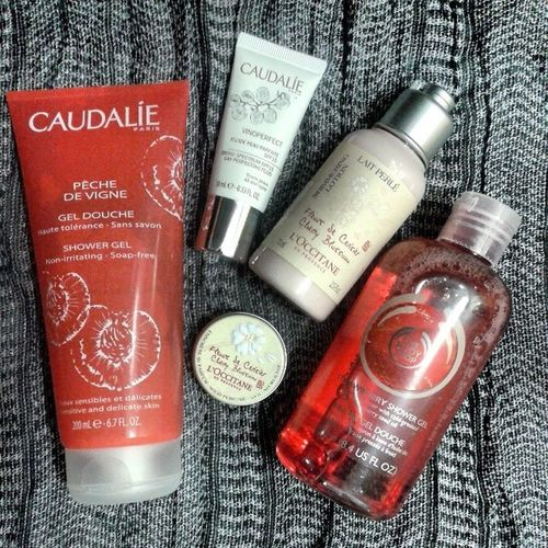 Good morning♡ Thebodyshop Loccitane Caudalie Showergel bodylotionwithshimmer fluide solidparfume morning
