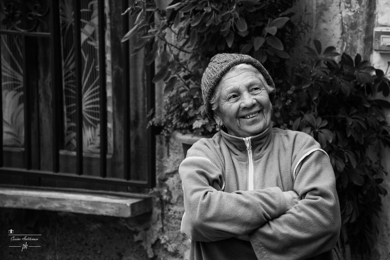 A smile for everyone ♥ Adult Adults Only Blackandwhite Cheerful Confidence  Day Happiness Lifestyles Looking At Camera One Person Outdoors People Portrait Potrait Potrait_photography Real People Senior Adult Smiling Tree Woman Women The Weekend On EyeEm The Week On EyeEem The Week Of Eyeem The Week On Eyem