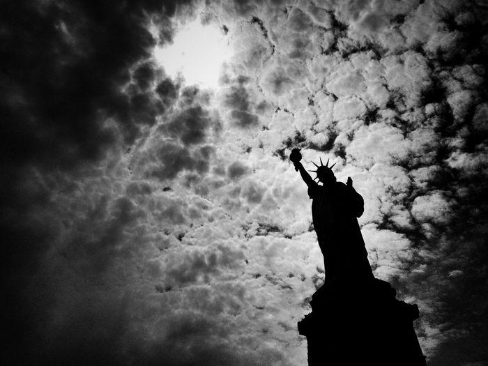 Lady Liberty The Traveler - 2015 EyeEm Awards Street Photography EyeEm Best Shots - The Streets The Street Photographer - 2015 EyeEm Awards