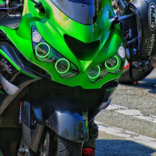 愛車🎵 Kawasaki ZX-14R Zzr1400 Motorcycle Ninja ツーリング バイク Kawasaki Ninja Kawasakininja Moto