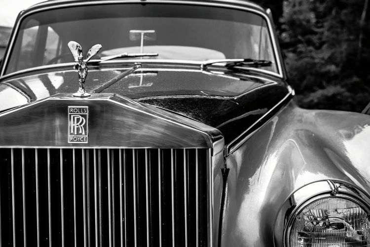 Rolls Royce Luxury Car Vintage Classic Car Luxurylifestyle  Rollsroyce Bnw_friday_eyeemchallenge Blackandwhite Cars Carsofeyeem Instalike Vintage Style Classic EyeEm Gallery EyeEm Best Shots EyeEm Best Shots - Black + White Carspotting Like4like Followme Bestoftheday Tagsforlikes Showcase July Luxury Sexycars Fine Art Photography
