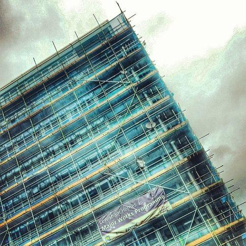 Lookingup Lookingupatbuildings Lookingupatcorners Scaffolding scaffoldingporn repair repairs repairing
