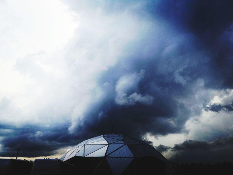 domo Mexico EyeMe EyeEmNewHere Soledad Nubes Camino Viva Mexico DarkJoy Power In Nature Sky Architecture Cloud - Sky Building Exterior