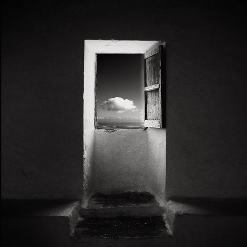 Hope Enlight Bw_collection IPSBlackWhite Wearegrryo Shootermag AMPt_community Fine Art Photography Untold Stories IPS2016Composition