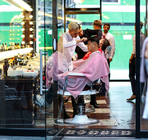 Grooming Barber Beauty Gentlemen Grooming Hair Haircut Hairsalon Hairstyle London Manscape Men Mens Grooming Pamper Salon Street Photography Streetphotography London Lifestyle EyeEm LOST IN London Postcode Postcards