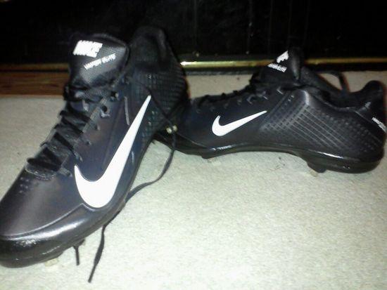 New baseball cletes :)